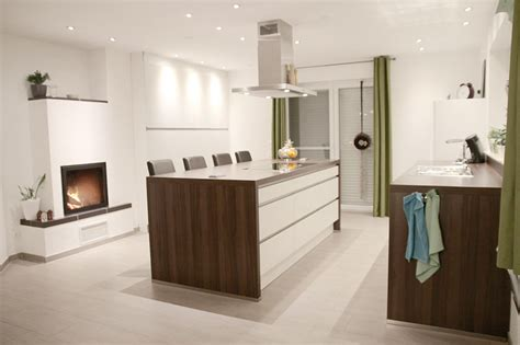 wohnküchen wohnzimmer regale design