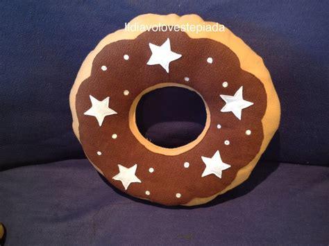 cuscino forma biscotto cuscino forma biscotto pan di stelle per la casa e per
