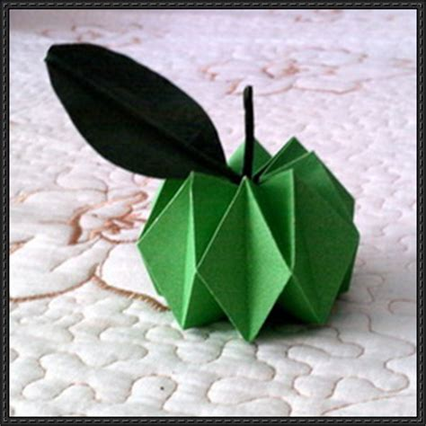 Origami Apple - papercraftsquare