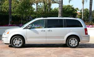 2008 Chrysler Town And Country Limited Edition 2008 Chrysler Town Country Limited Photo