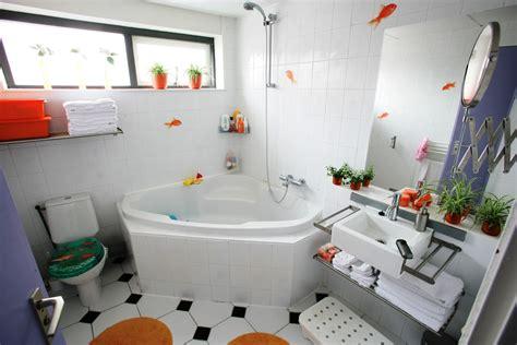 small bathroom ideas 2014 gambar kamar mandi minimalis terbaru 2016 lensarumah