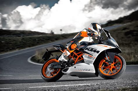 Ktm Rc Superbike Review Ktm Rc 200 City Performance