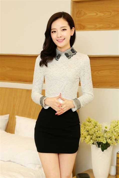 Baju Hitam Putih Wanita baju blus wanita model baru warna putih hitam apricot motif bordir brukat bunga efashioninkatalog