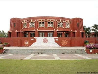 Iim Lucknow 1 Year Mba by Iim Lucknow Signs Mou With Axis Bank Lucknow News