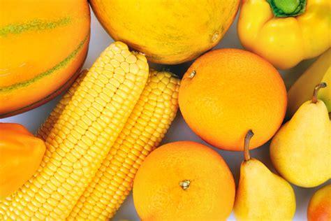 alimenti benefici i benefici dei cibi giallo arancio salute e benessere