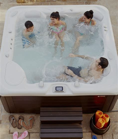 Hot Tub Information   How to Buy a Hot Tub   Hot Spring Spas
