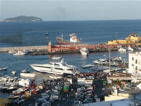 porto d imbarco per ponza la stazione marittima di ponza finisce in parlamento
