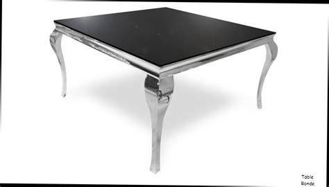 Table En Verre Carree
