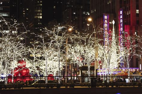 a new york christmas movie online in english with english