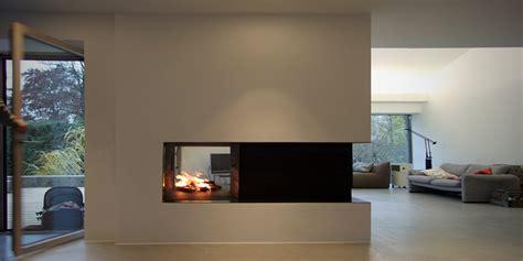 moderne feuerstellen moderner raumteiler mit tv raum und m 246 beldesign inspiration