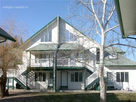 Cottages In Kelowna by Cottage Rentals In Thompson Okanagan Vacation Rentals
