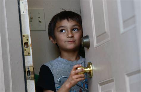 balloon boy pukes world suspects hoax richard heene