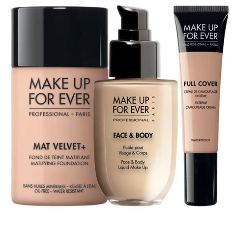 The Best Waterproof Makeup Tips for Face, Eyes & Lips from