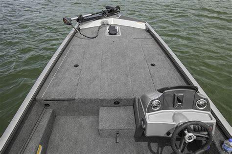 bemidji boat dealers 2017 new crestliner vt 19 bass boat for sale bemidji mn