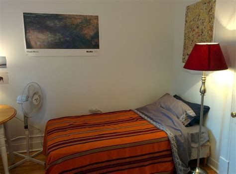 well lit room well lit cozy room in the plateau center apartments for rent in montr 233 al qu 233 bec canada