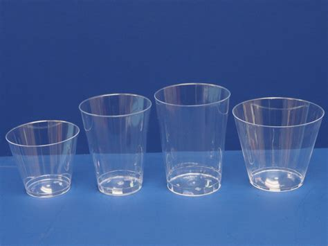 Plastic Ls by Plastic Cups Ls