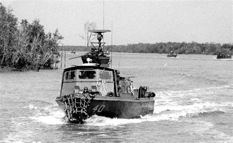 swift class boat golden age weaponsmiths pcf iv swift class patrol boat