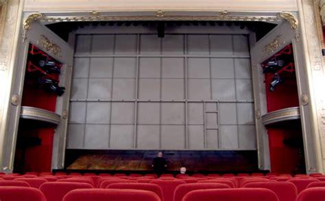 eiserner vorhang theater die nibelungen i deutsches theater 2010