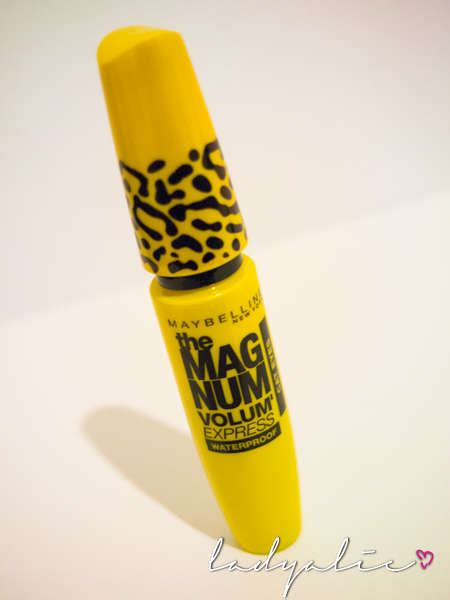 Maybelline Mascara The Magnum Volume Express Maybelline The Magnum Volume Express Cat Mascara