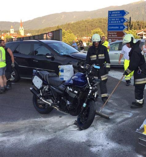 Motorrad Gegen Auto motorrad gegen auto die neue s 252 dtiroler tageszeitung