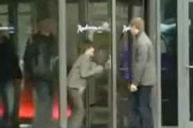 Justin Bieber Runs Into Glass Door 17 Classic Justin Bieber Hoaxes And Stories