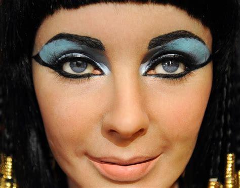 tutorial eyeliner cleopatra cleopatra makeup tutorial mugeek vidalondon