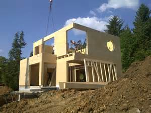 maison bois sur terrain en pente