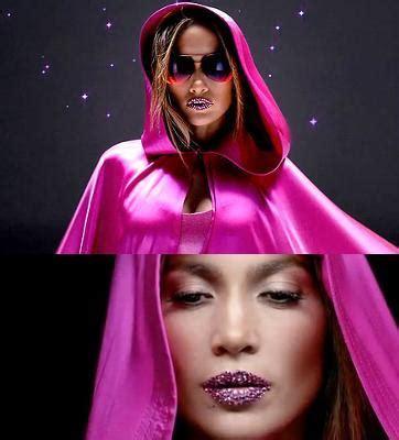 Klip Swaroski hiasi bibir dengan swarovski di klip baru