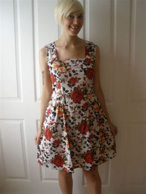 Betty Dress 1 betty draper dress sewing projects burdastyle