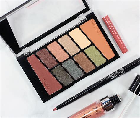 Minyak Kemiri Moelia and color icon 8 colors eyeshadow comfort zone