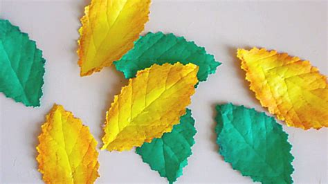How To Make A Leaf Out Of Paper - how to make realistic leaves from paper diy crafts