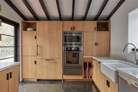 Cabinet Above Fridge Trend Alert 9 Kitchens With Floor To Ceiling Cabinetry