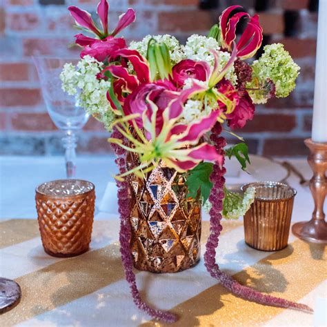 Vase Table Decorations by 39 Fresh Decorating Ideas Table Decorating Ideas