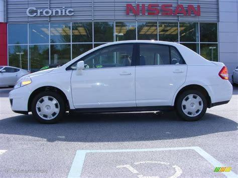 nissan versa white 2008 fresh powder white nissan versa 1 8 s sedan 11668876