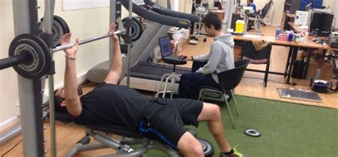 bench press throw entrenamiento de potencia mundo entrenamiento