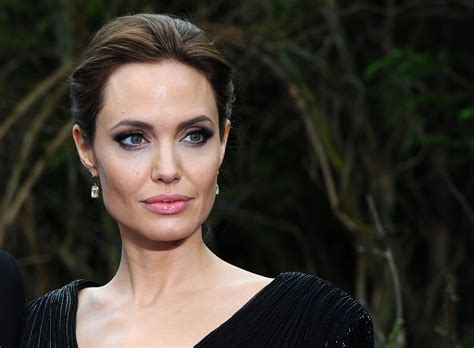 zerchoo entertainment angelina jolie drops 25 million angelina jolie speaks out about the end of her marriage