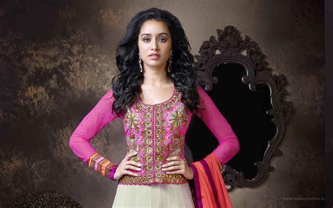 all bollywood heroine photo wallpaper shraddha kapoor bollywood actress in lehenga choli