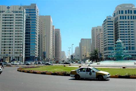 corniche dubai la corniche d abu dhabi emirats arabes unis