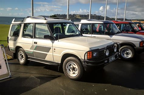 older land rover discovery in praise of the 25 year old land rover discovery autocar
