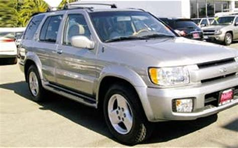 infiniti owned by nissan 1997 infiniti qx4 suv right front side view