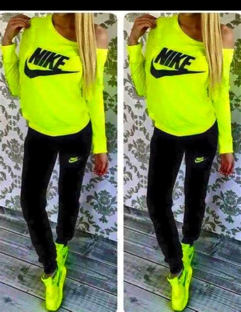 whos the black girl in the jogging suit in the liberty mutual commercial neon yellow nike tracksuit girls on the hunt