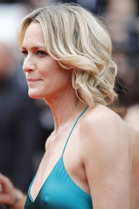 robin wright short curls newest looks stylebistro