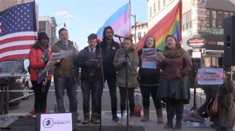 transgender bathroom new jersey fulop signs executive order for gender neutral bathrooms