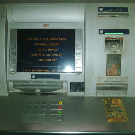 banco santander cajeros el mal servicio de los cajeros y comisiones banco