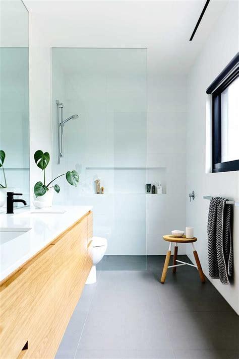 modern white bathrooms best 25 beach house bathroom ideas on pinterest beach