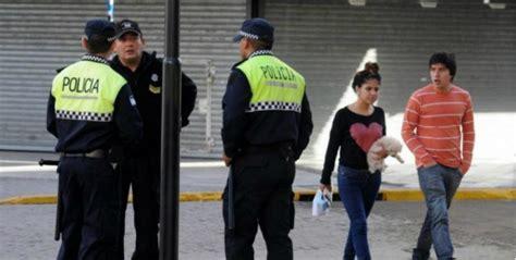 aspirantes para la policia de tucuman 2017 la polic 237 a tucumana protestar 225 por el comisario detenido