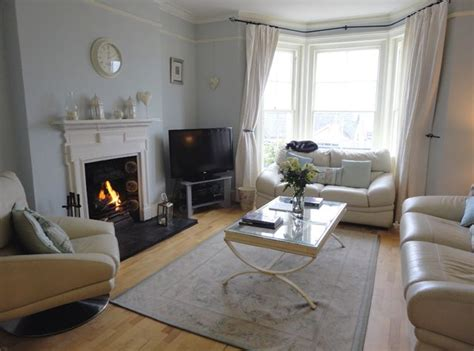 Decorating Living Room With Bay Window And Fireplace 1000 Images About Bay Window And Corner Fireplace Ideas