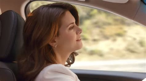 acura commercial actress singing here s why that drive like a boss lady looks so familiar