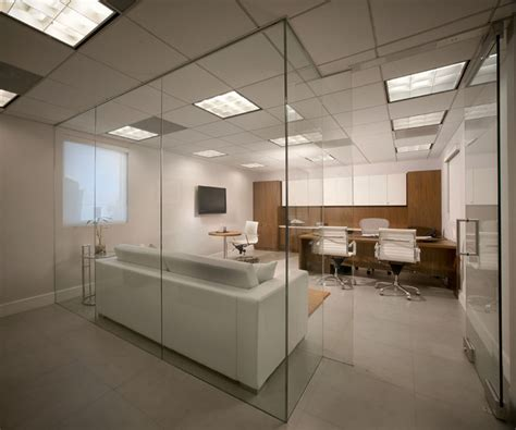 Modern Office Room Interior by Modern Office Space Miami By Guimar