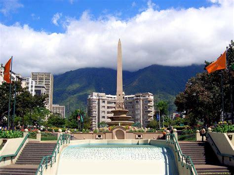 imagenes de plaza venezuela caracas turismo en caracas ciberturista